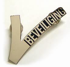 V embleem, V badge, V'tje metaal 3 pins GRATIS VERZENDING